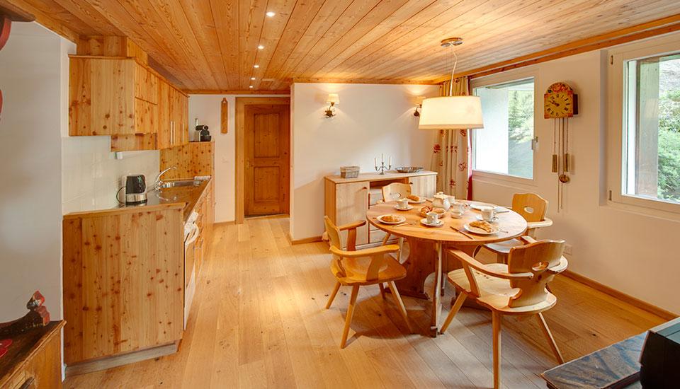 haus styria ferienwohnungen zermatt zurniwen wohnung nr 6. Black Bedroom Furniture Sets. Home Design Ideas